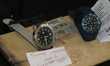 2 montres H et F (avec leur pile de rechange)