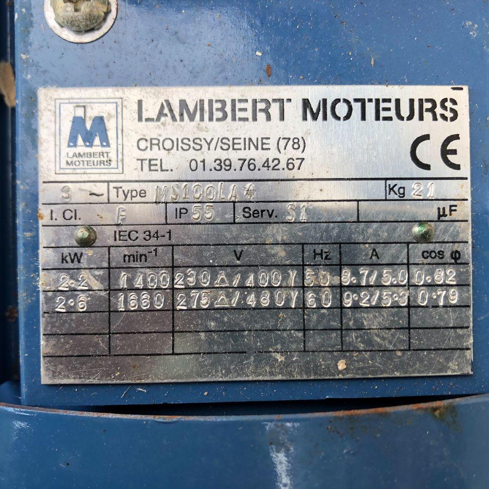 Moteur électrique.  70 Baignes-Sainte-Radegonde (16)