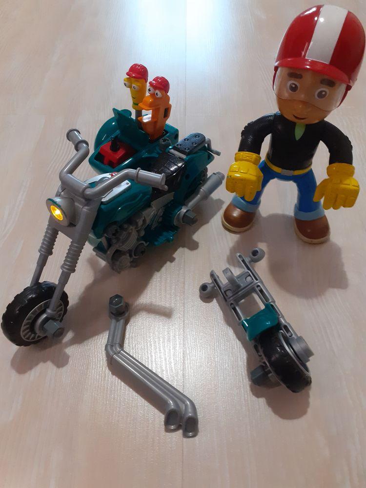La Moto de Manny et Ses Outils de Mattel 15 La Ferté-Alais (91)