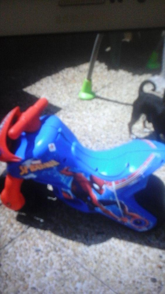 Moto SPIDERMAN  15 St Isidore (06)