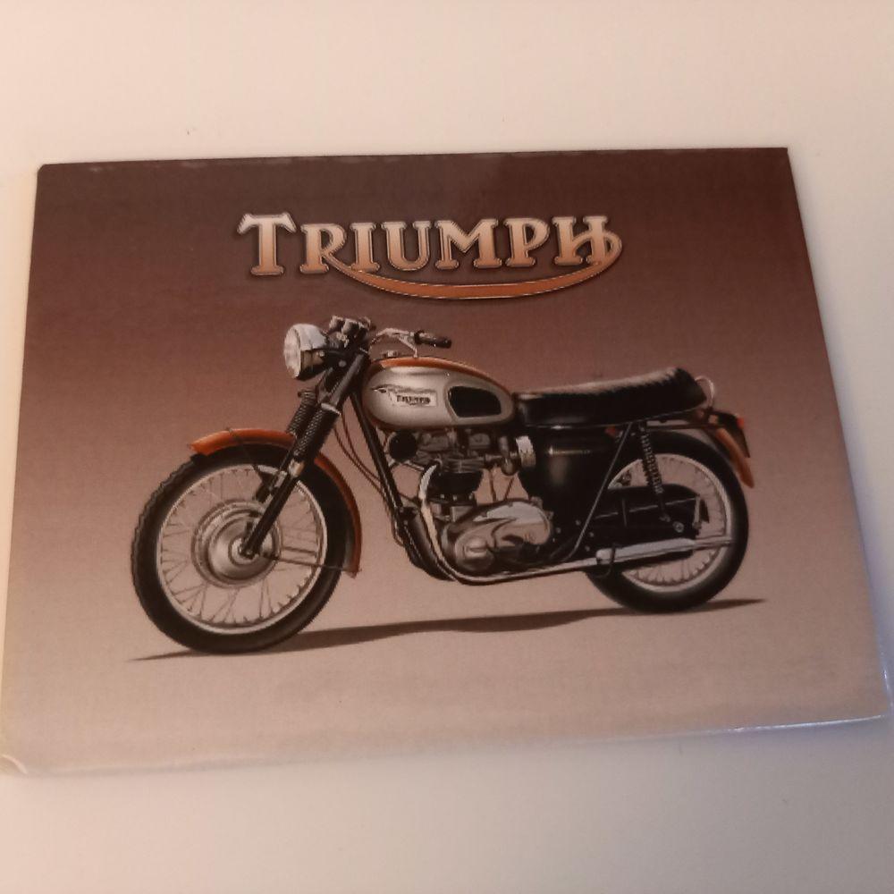Moto Triumph Bonneville Britannique.                         5 Saumur (49)