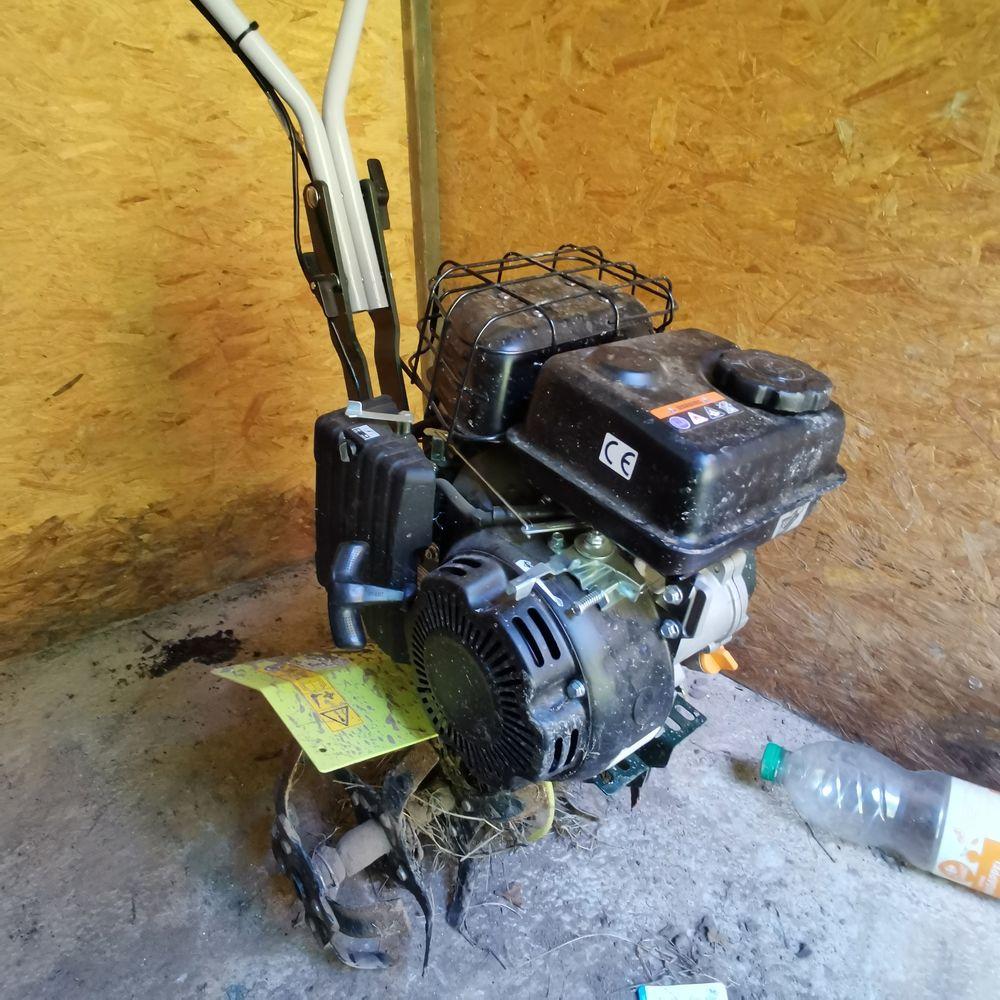 Motoculteur essence 150 Saumur (49)