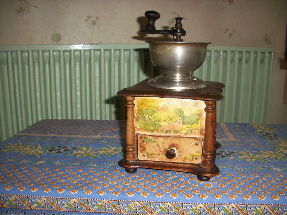 moulin a café de collection 30 Bourges (18)