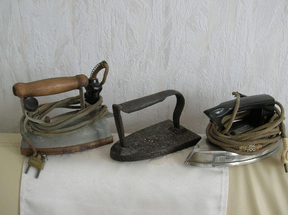 1 moulin à café+ 3 fers repasser+ pot à lait anciens 41 Reims (51)