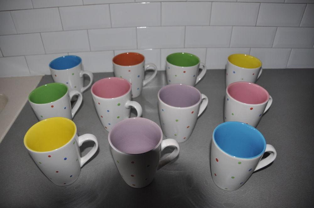 Mugs intérieur colorés 5 Château-Gontier (53)
