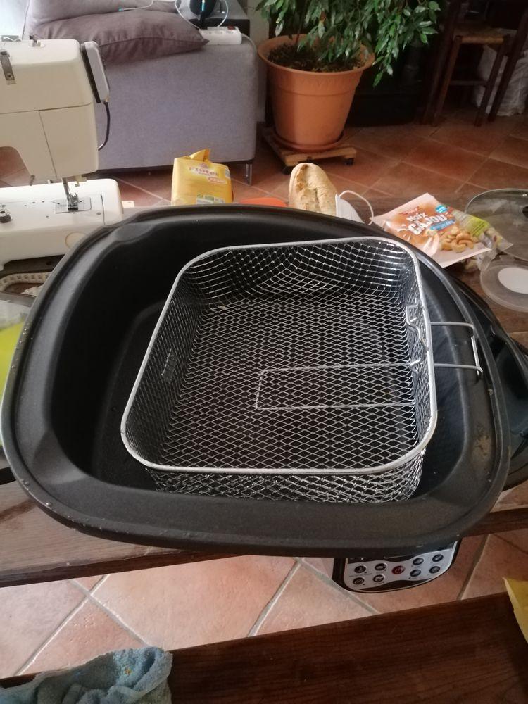 Multicuiseur. Mijoter, bouillir, rôtir, grilleretc Cuisine