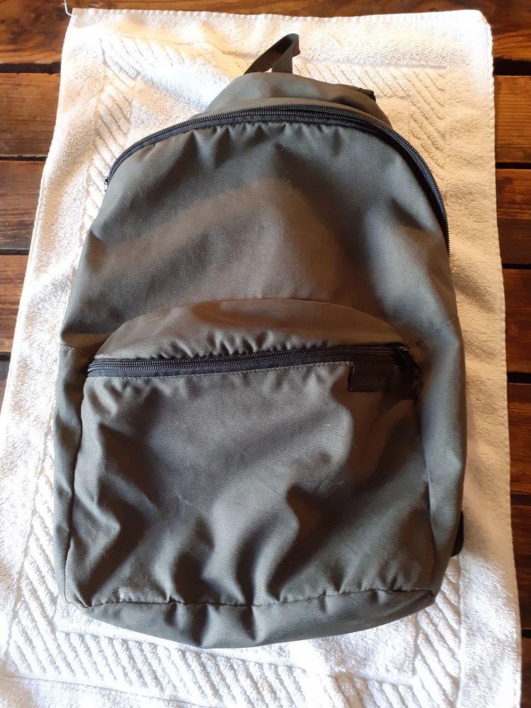 sac à dos NEWFEEL 7 Pantin (93)