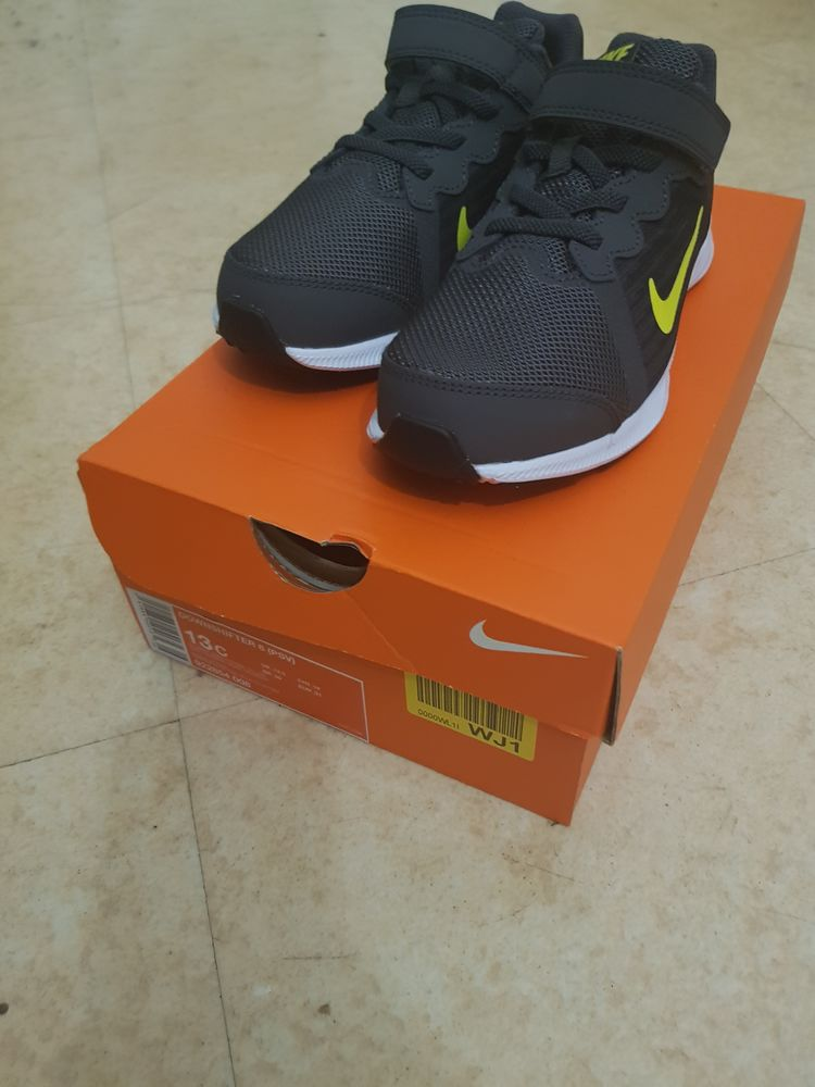 Nike downshifter 8 taille 31 neuf 30 Brunoy (91)