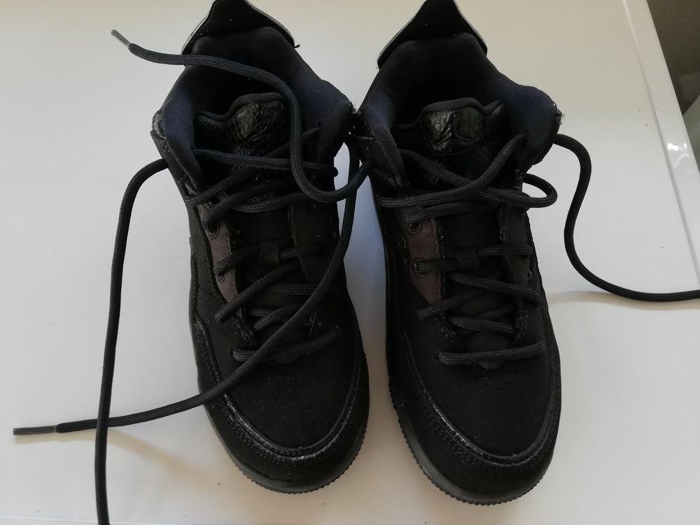 Nike air Jordan pointure 31 neuves 35 Saint-Médard-d'Eyrans (33)