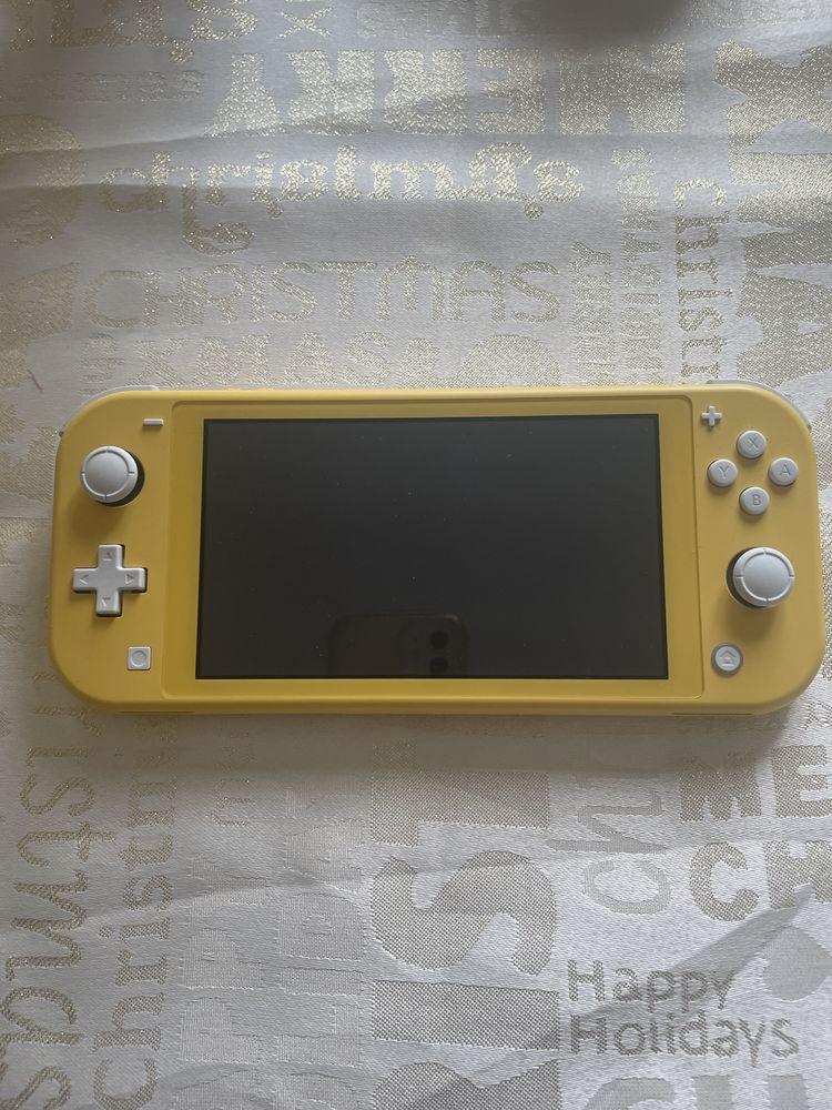Nintendo switch Lite + Pokémon shield pack extension  Neuf Jeux / jouets