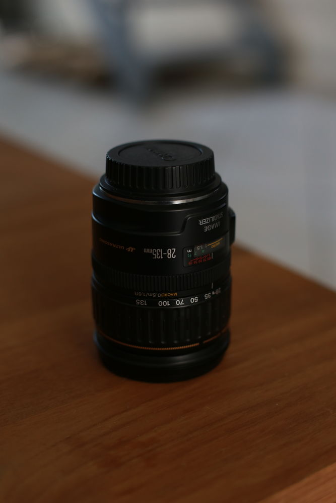 Objectif Canon Zoom 28-135 mm F/3.5-5.6 IS USM 260 Lezennes (59)