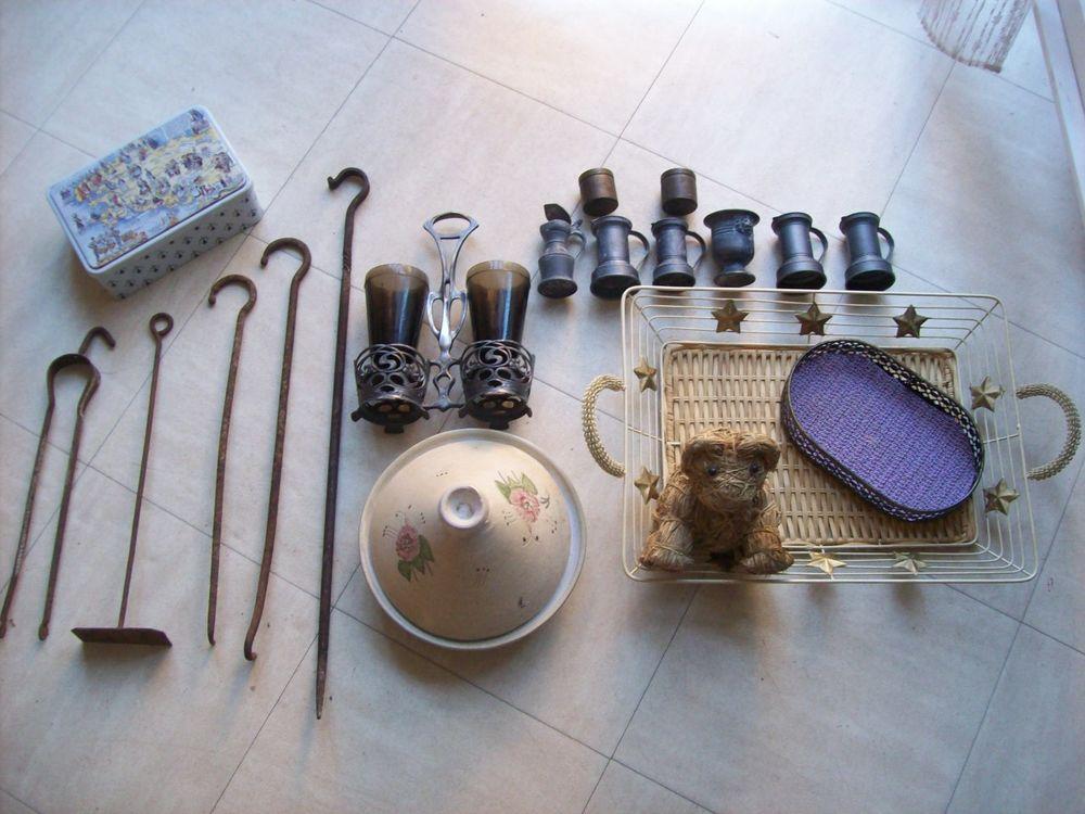 lot d'objets divers pour plantes, cuisine etc ... 1 Martigues (13)