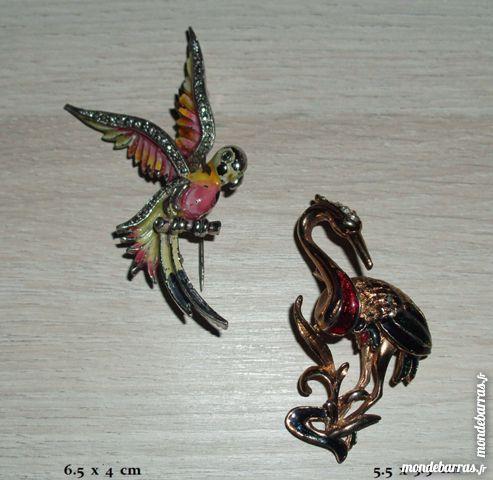 «OISEAUX» deux broches vintage Bijoux et montres