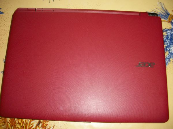 ORDINATEUR PORTABLE ACER ROUGE 150 Le Cannet (06)