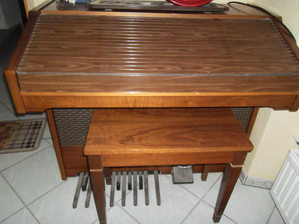 orgue électronique 245 Sierck-les-Bains (57)