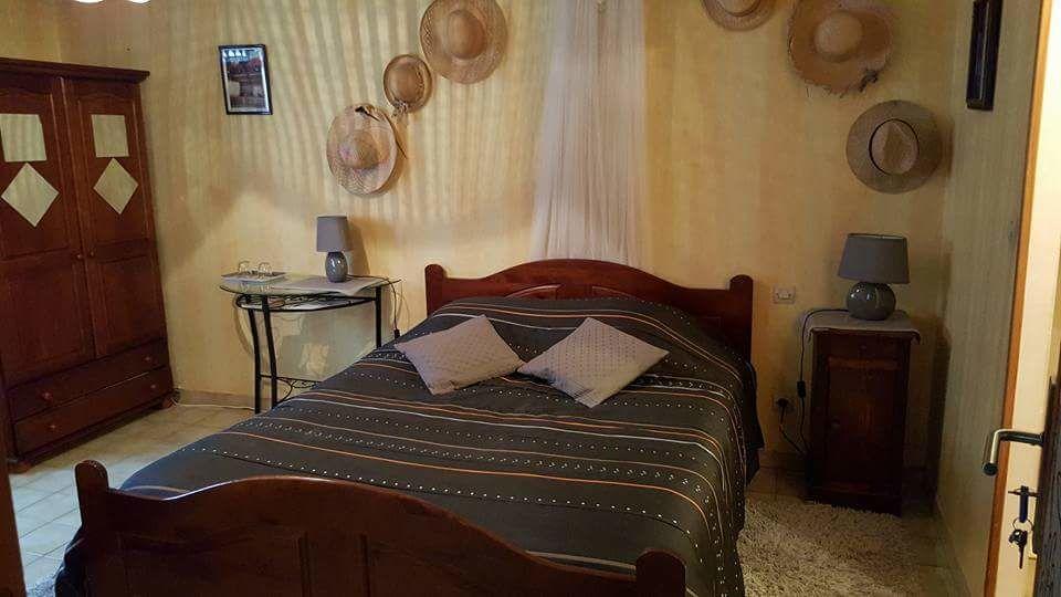 Achetez original lit en bois occasion annonce vente saint martin d 39 abl - Lit en bois exotique ...