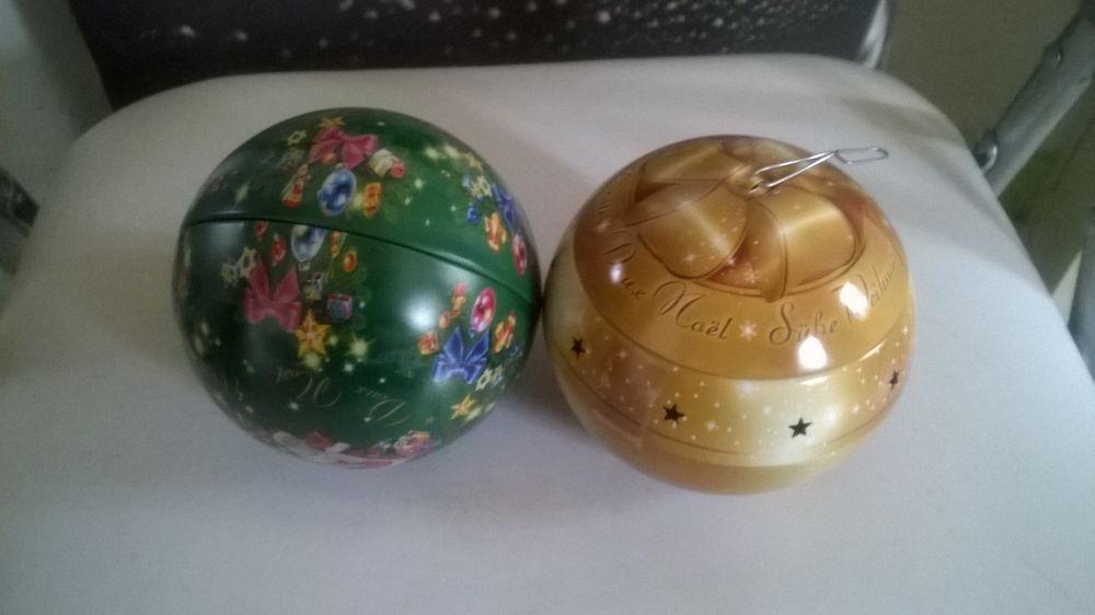 ORIGINAL 2 Boules de noël  qui s ouvrent  10 Talange (57)