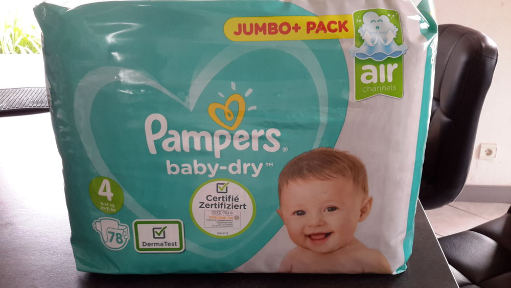 Pack de 78 couches Pampers Baby dry Taille 4 Puériculture