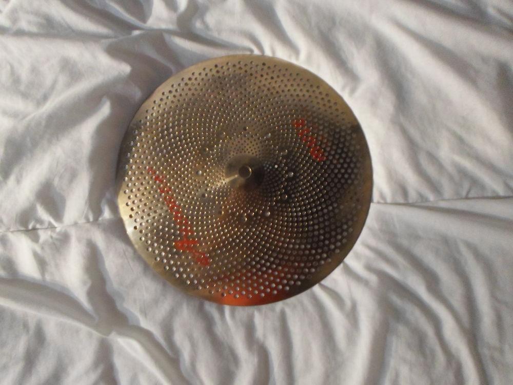 Pack 2 cymbales acoustiques  silencieuses  ARBOREA. 70 Paris 19 (75)