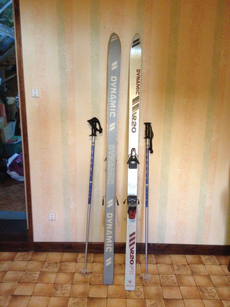 Paire de ski avec bâtons 15 Bouvignies (59)