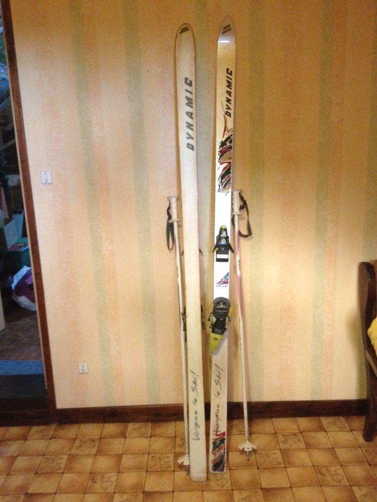 Paire de ski avec bâtons 25 Bouvignies (59)