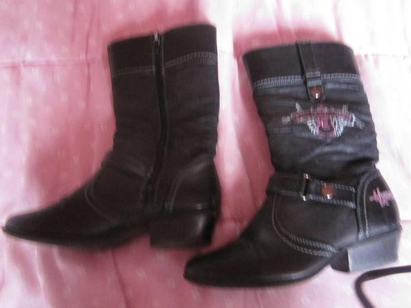 Paire de bottes en cuir noir, pointure 31 7 Boves (80)