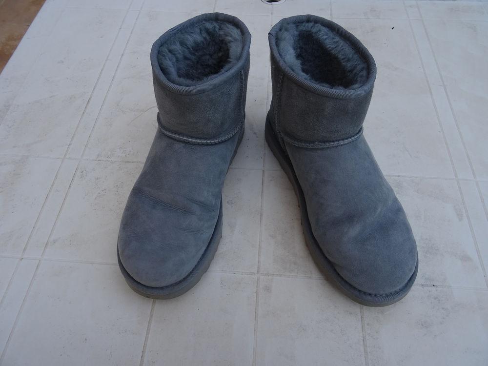 Paire de bottine UGG  grise, taille 40 110 Lissieu (69)