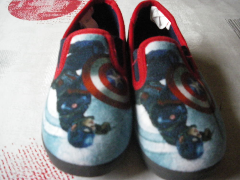 1 paire de chaussons enfant pointure 30 2 Elbeuf (76)