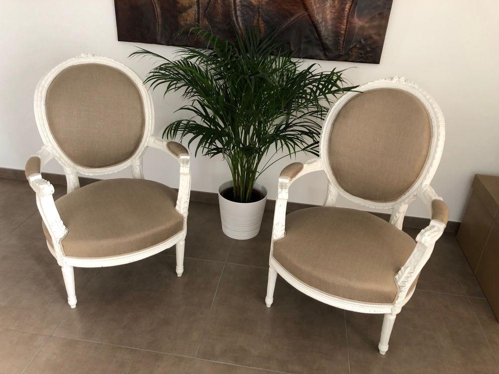 Une paire de fauteuils à la reine début XIX. 650 Seyssins (38)