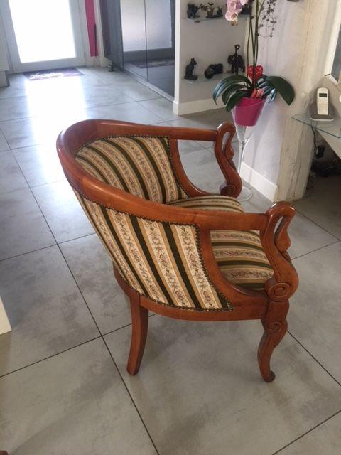Une paire de fauteuils type  cabriolet  300 Villeneuve-lès-Avignon (30)