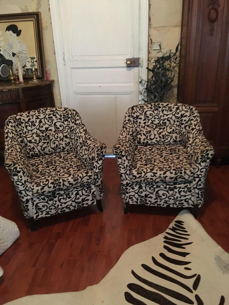 Paire de fauteuils 100 Bordeaux (33)