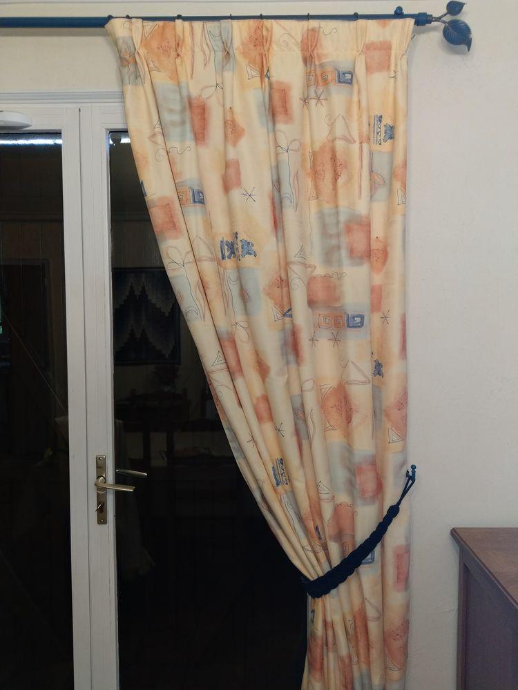 Paire de jolis rideaux doublés  30 Gruchet-le-Valasse (76)
