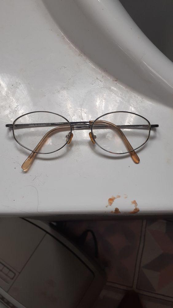 1 paire de lunettes 25 Rivesaltes (66)