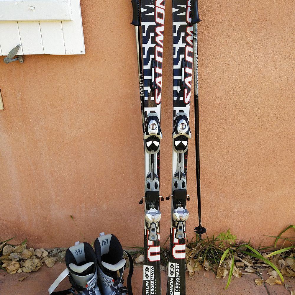 2 paires de ski avec battons et chaussure 100 Saint-Zacharie (83)