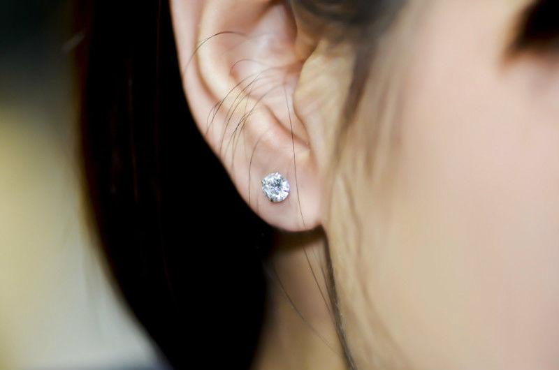 58 paires de boucles d'oreilles 75 La Jaudonnière (85)