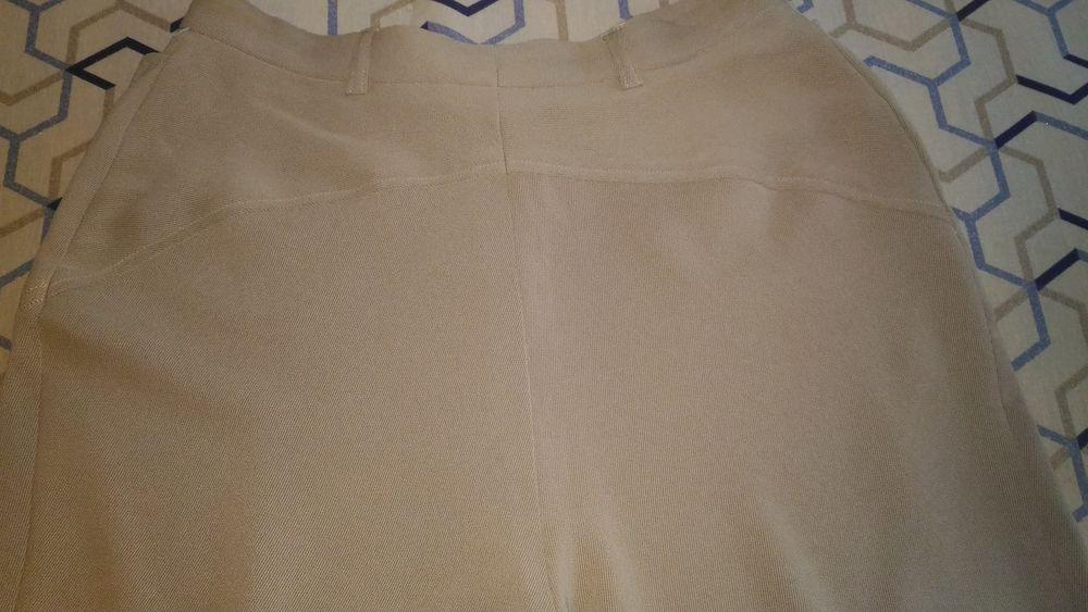 pantalon CACHAREL tissu beige clair sans motif extrêmement l 50 Savigny-sur-Orge (91)