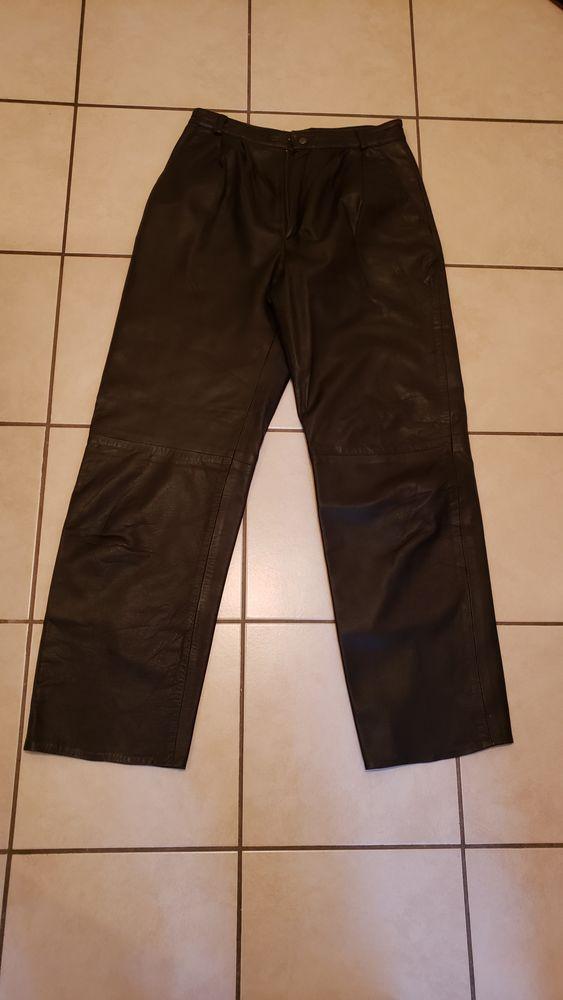 pantalon cuir femme 20 Viviers-du-Lac (73)