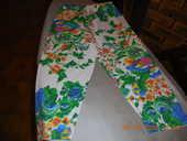 pantalon à fleurs t 30 32  4 Sète (34)