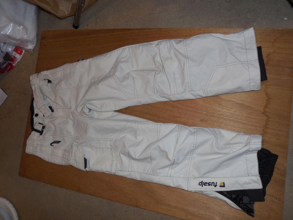 pantalon de ski  ; FUSAP  taille 12 ans  25 Pontault-Combault (77)