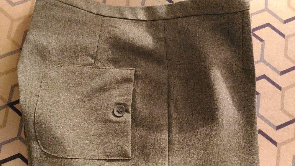 pantalon LM LULU couleur gris clair  22 Savigny-sur-Orge (91)