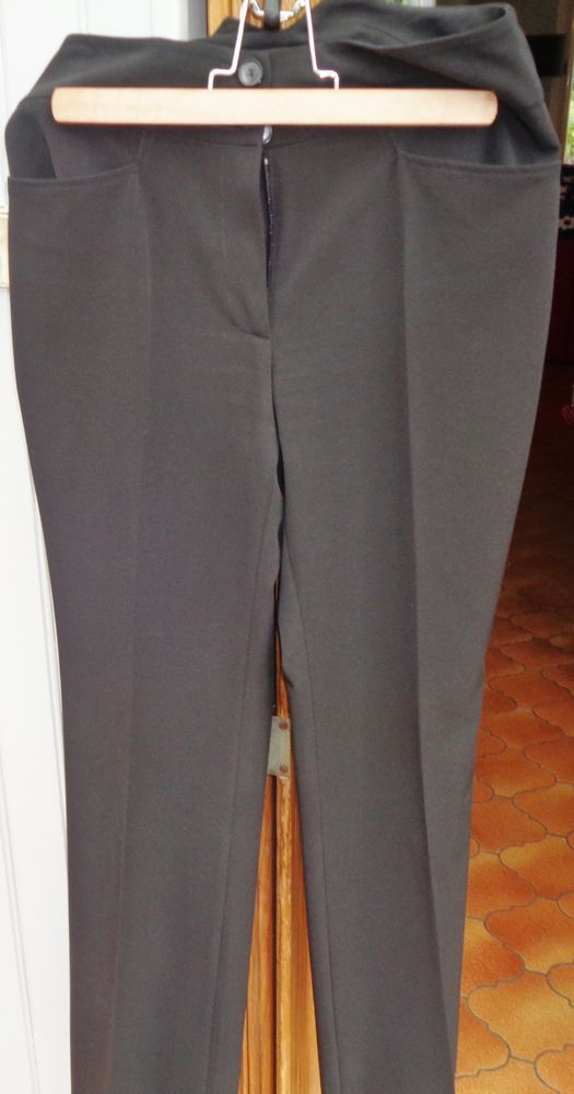 pantalon p- mendes comme neuf 17 Argenteuil (95)