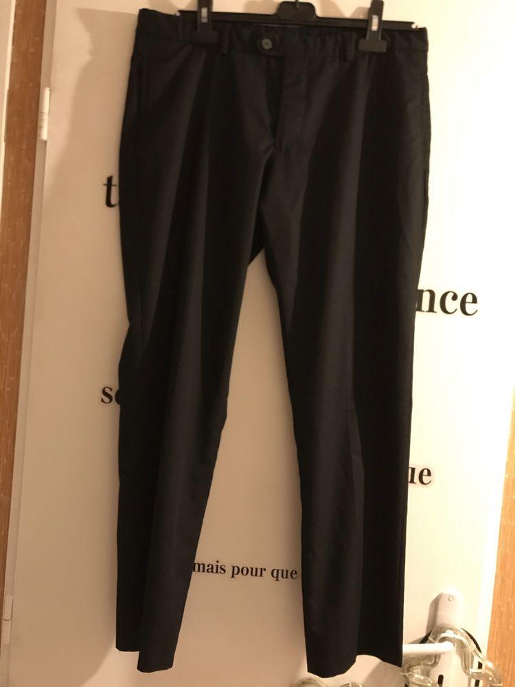 pantalon noir  ZARA   taille 42 12 Saint-Genis-Laval (69)