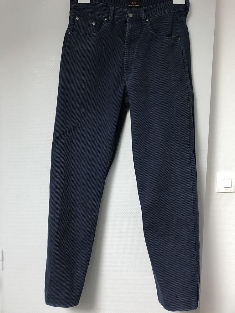 pantalon velours marine  T. M  CJW 15 Saint-Genis-Laval (69)