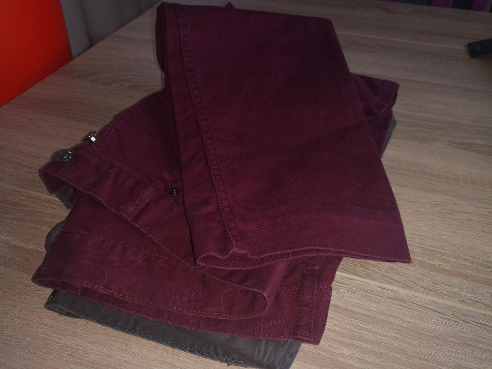 2 pantalons 15 Lagny-sur-Marne (77)