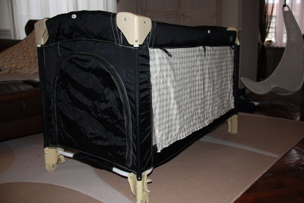 achetez lit parapluie b b occasion annonce vente. Black Bedroom Furniture Sets. Home Design Ideas