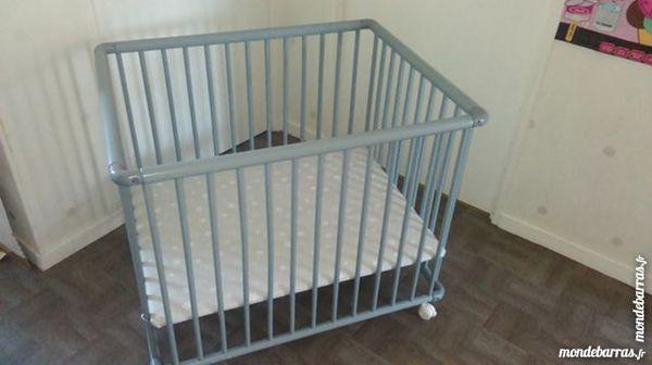 parcs b b occasion annonces achat et vente de parcs b b paruvendu mondebarras page 39. Black Bedroom Furniture Sets. Home Design Ideas
