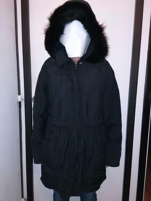 parkas, manteaux, trench coat... Vêtements