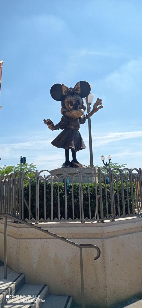 Parking Disneyland Paris 15 euro ou lieux de 30euro 15 Villejuif (94)