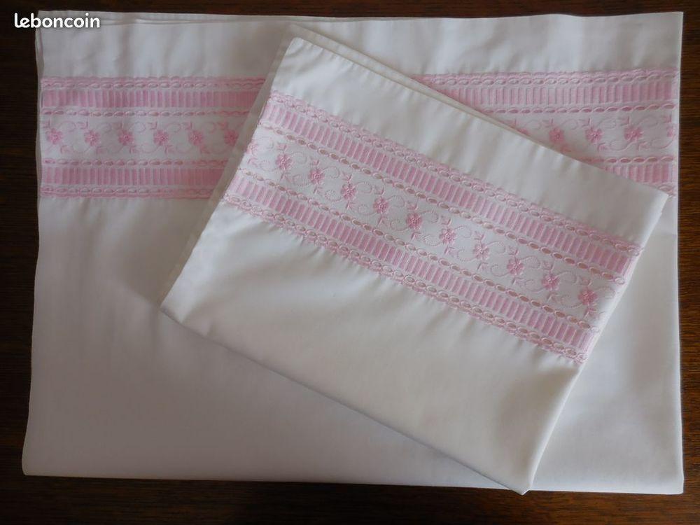 Parure drap/ oreiller brodés pour bébé  10 Calais (62)