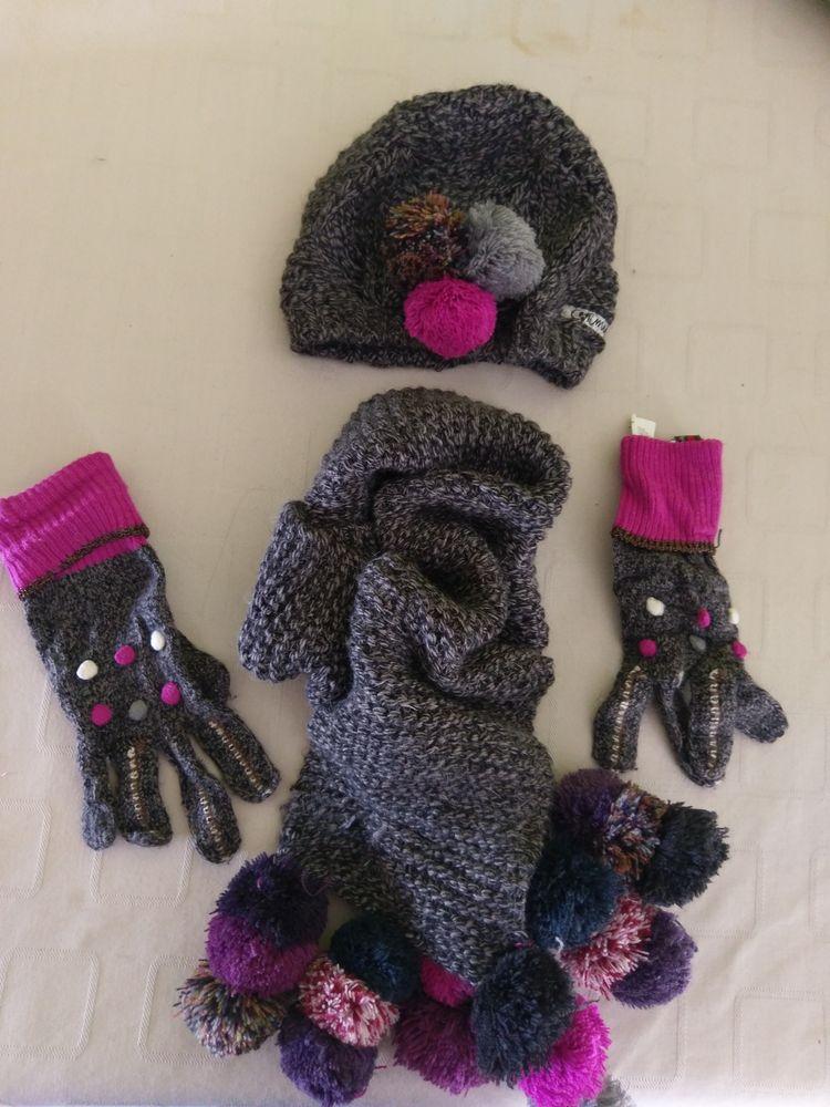 Parure écharpe, bonnet et gants 20 Allauch (13)